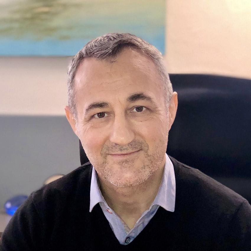 George Mantas